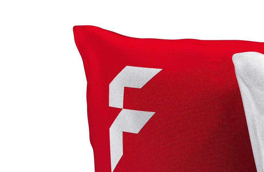 dekokissen logokissen g nstig online bedrucken bei flyeralarm. Black Bedroom Furniture Sets. Home Design Ideas
