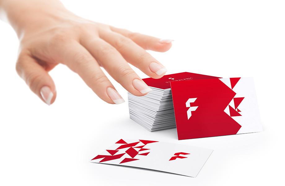 Visitenkarten Mit Prägungen Oder Lacken Drucken Bei Flyeralarm